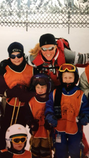 That's where it all begon, with skiteacher Veerle. The smallest one in the middle, that's me.