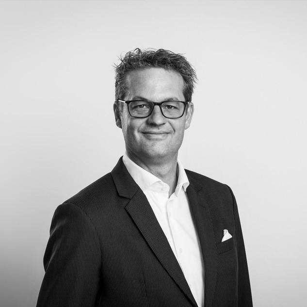 Dr. Philipp Juchli