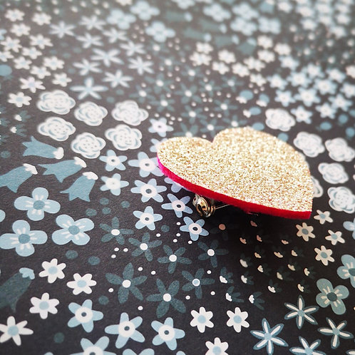 Broche coeur doré