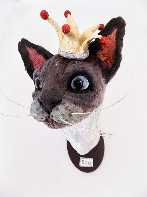 Boo the Siamese cat sculpture