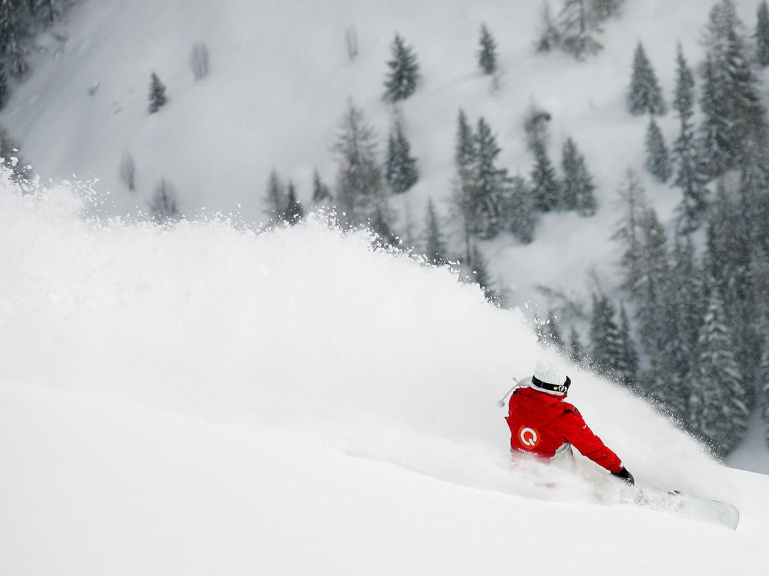 ws_Winter_Olympics_Snowboarder_1600x1200