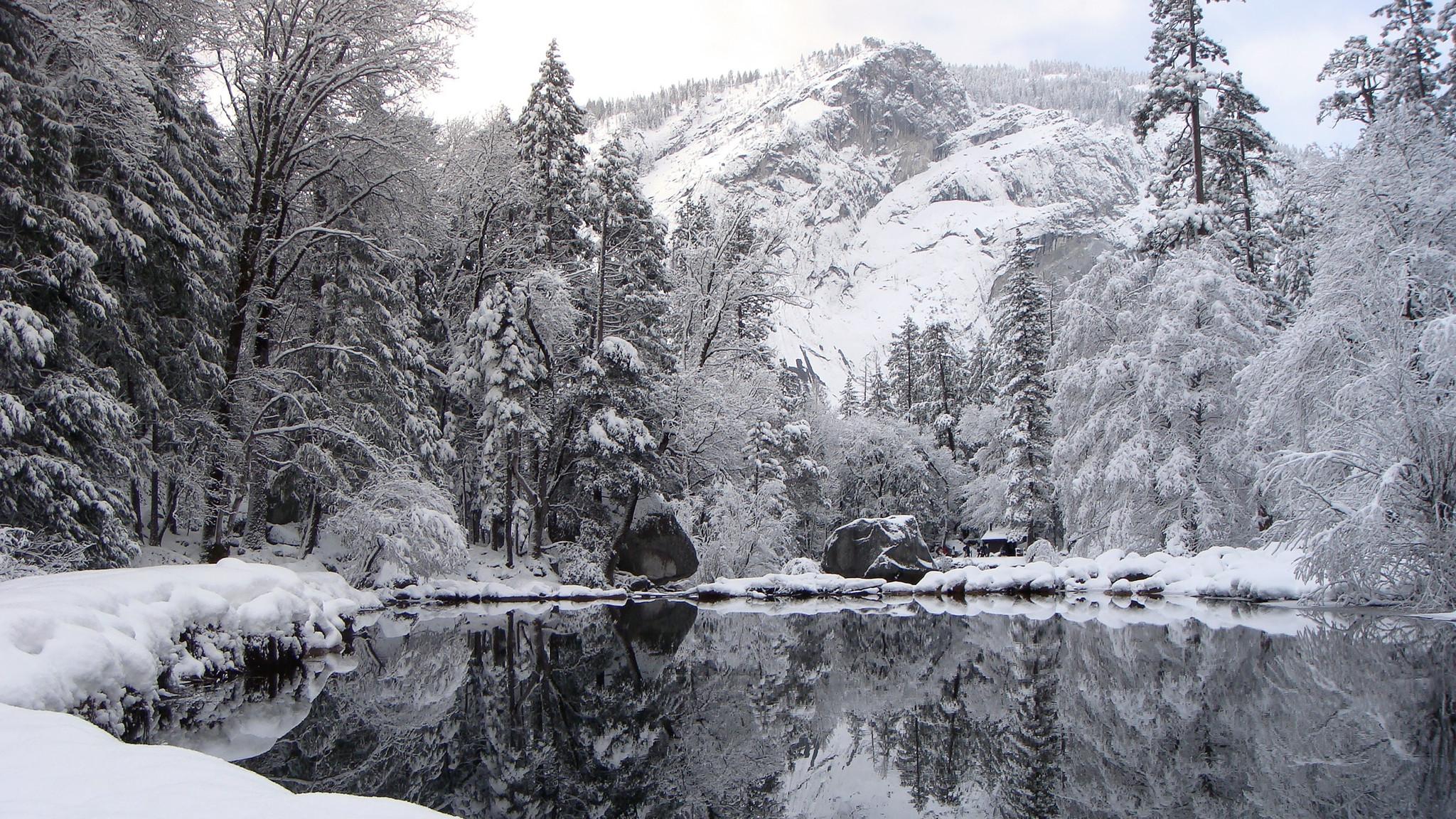 ws_Winter_reflection_2560x1440.jpg