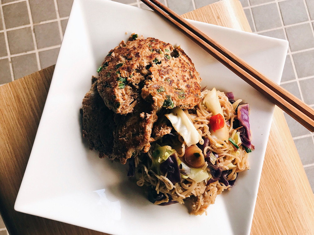 Kimchi Beef Patty with Fried Buckwheat Noodes