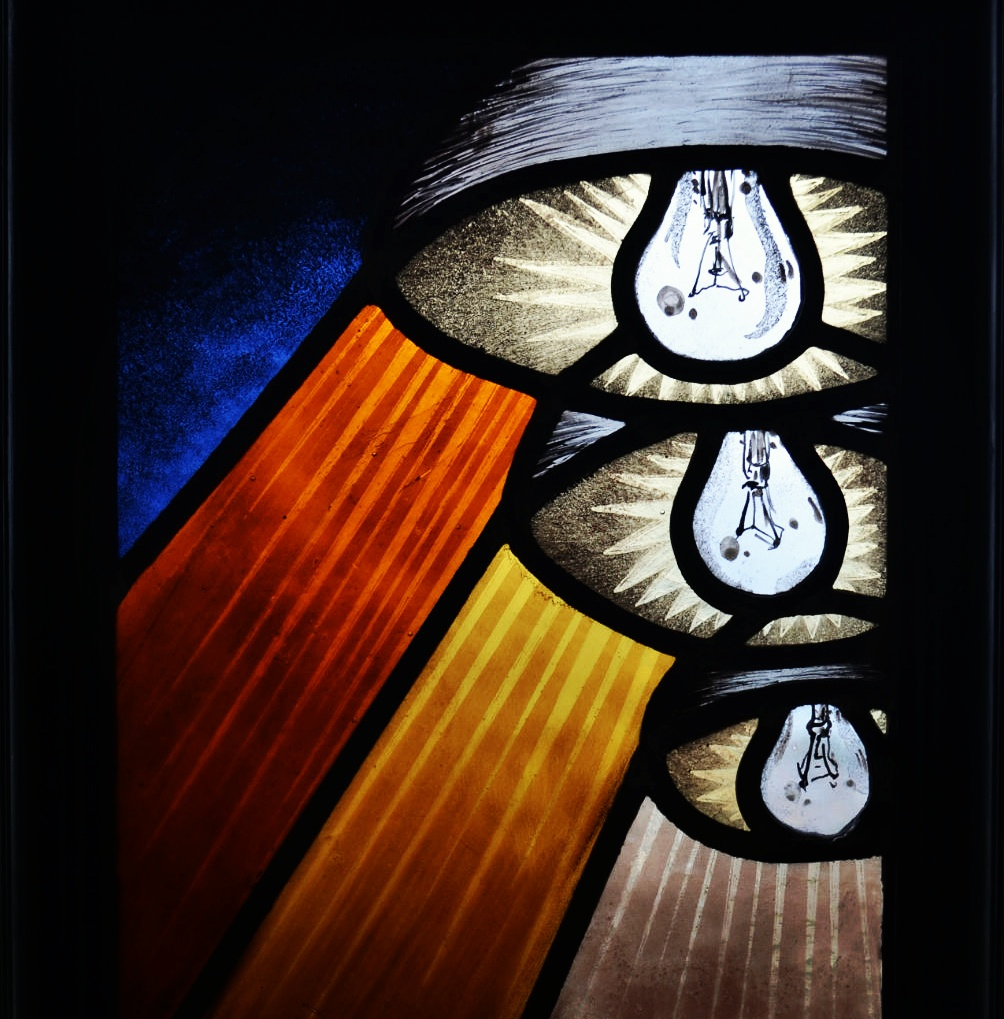 5 BULBS. Contemporary stained glass.