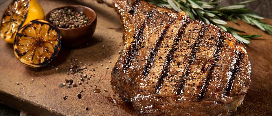 Tomahawk Cowboy Ribeye Steak