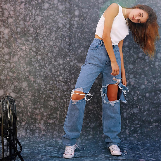 Montréal Ripped Straight-Leg Jeans