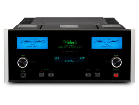 """""""Massively Impressive"""" McIntosh  Amplifiers put on a """"Display of Power"""" for Hi-Fi World"""