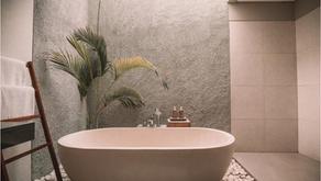 SOS opruimen: hoe hou je de badkamer proper? - tips van opruimcoach Nele Colle - Flair-online