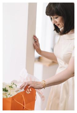Šilkinė dramblio kaulo suknelė