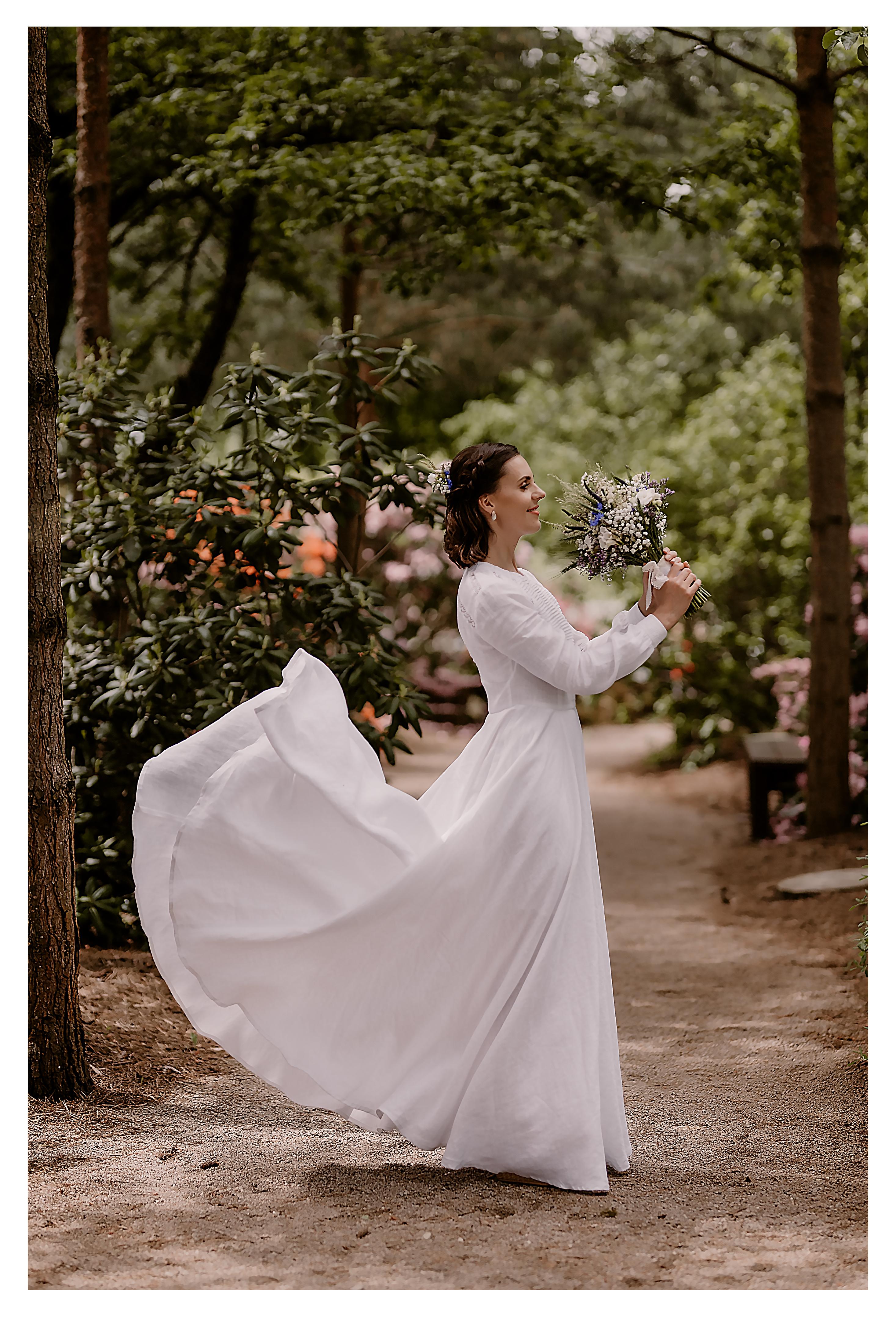 Lininė nuotakos suknelė