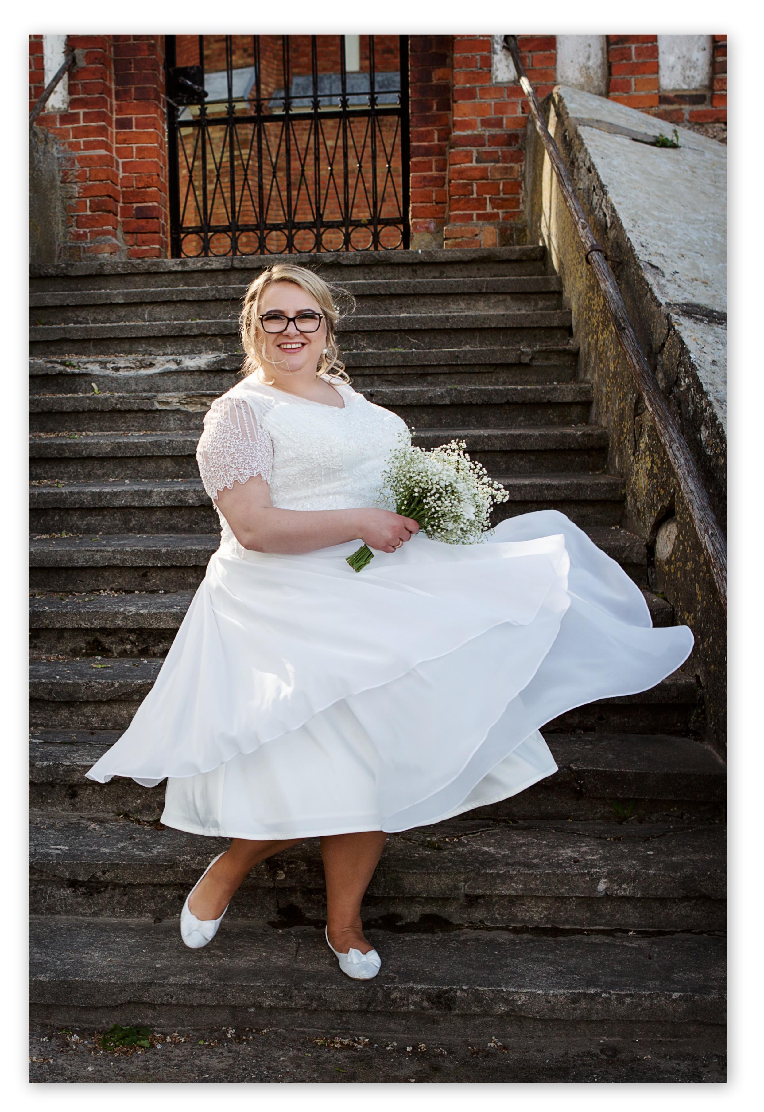 Midi ilgio nuotakos suknelė