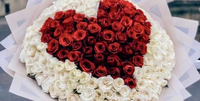 Buket SDRCE z mixu 201 bílých a červených růží