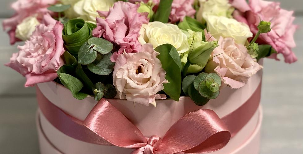 Krabice s eustomou a růží