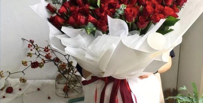 Červené růže 70 ks
