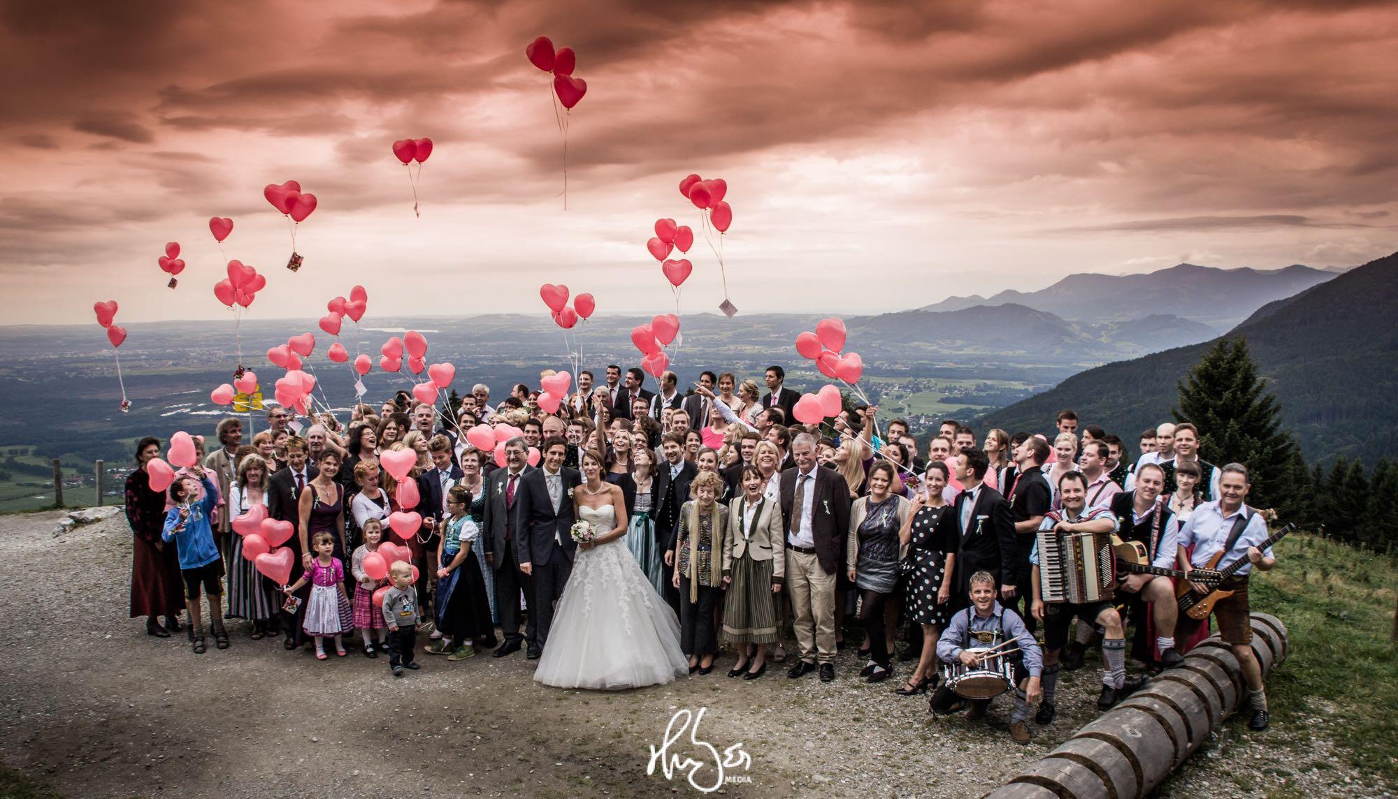 HUBER Media | Gruppenbild Hochzeit