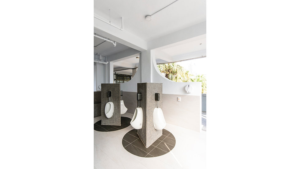 黎明廁所2.jpg