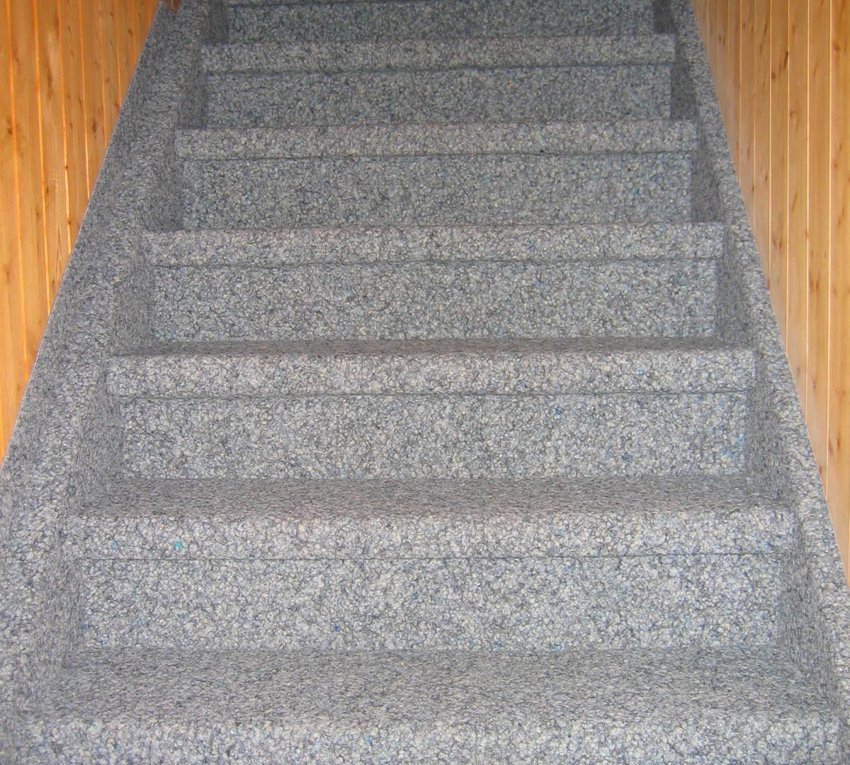 Treppe mit Kugelgarn, Ruch Bodenbeläge GmbH