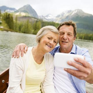 23 selfie couple on boat