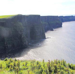 cliffs-of-moher-981873_1920.jpg