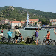 Bicycle_Tour_in_Durstein_Austria.jpg