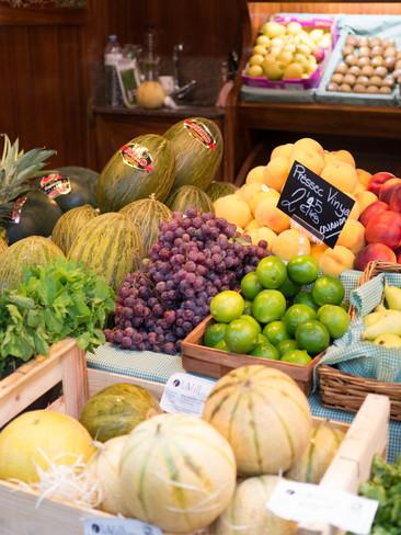 fruit-880738.jpg