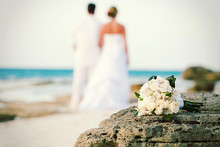 BEST PLACES AROUND THE WORLD TO PLAN A BEACH WEDDING