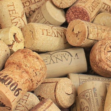champagne-cork-1350404_1920.jpg