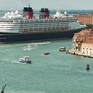 150519082924-disney-cruise-780x439.jpg