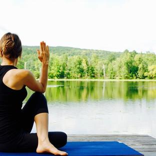yoga-1812695_1280.jpg