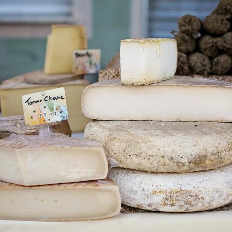 cheeses-1433514_1920.jpg