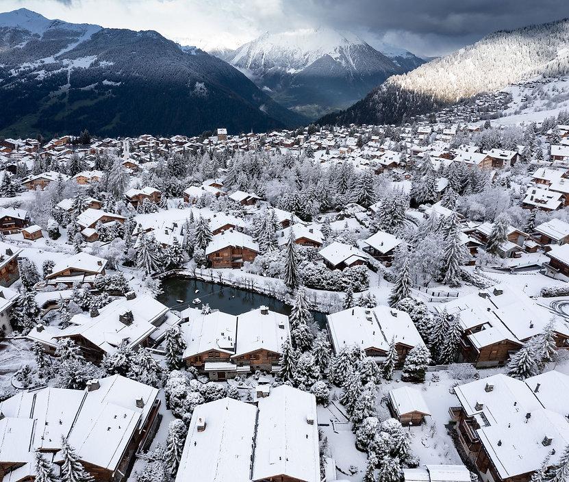 school-may-snow.jpg