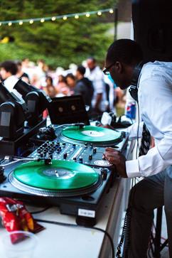 DJX2050 spinning at a wedding!