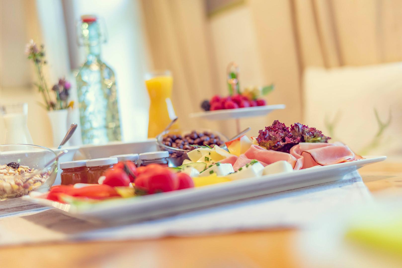 Schlosstaverne Frühstück 1.jpg