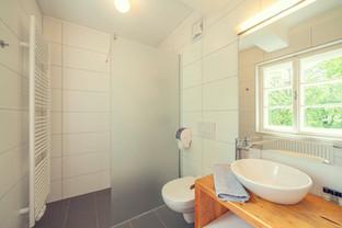 Schlosstaverne Badezimmer.jpg