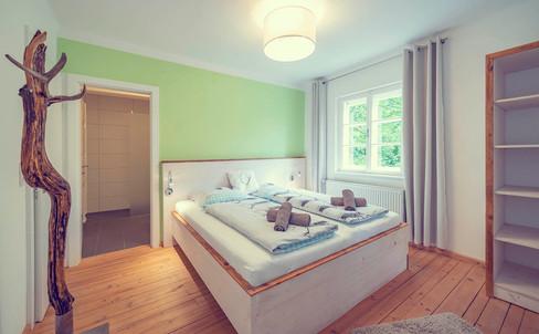 Schlosstaverne 4 Bettzimmer Raum 1.jpg