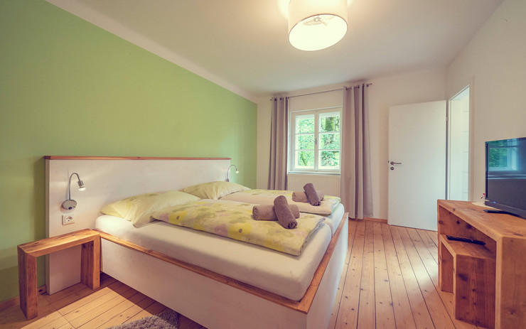 Schlosstaverne Doppelzimmer 1.jpg