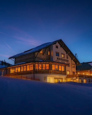 Joschi Almgasthof Winter.jpg