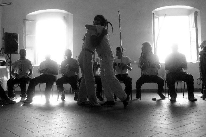 capoeira web 2.jpg
