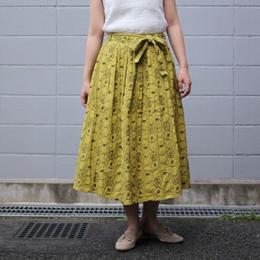 トマト柄刺繍スカート