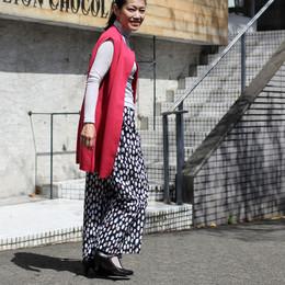 ビビッドカラーロングベスト&オリジナルプリント柄パンツ