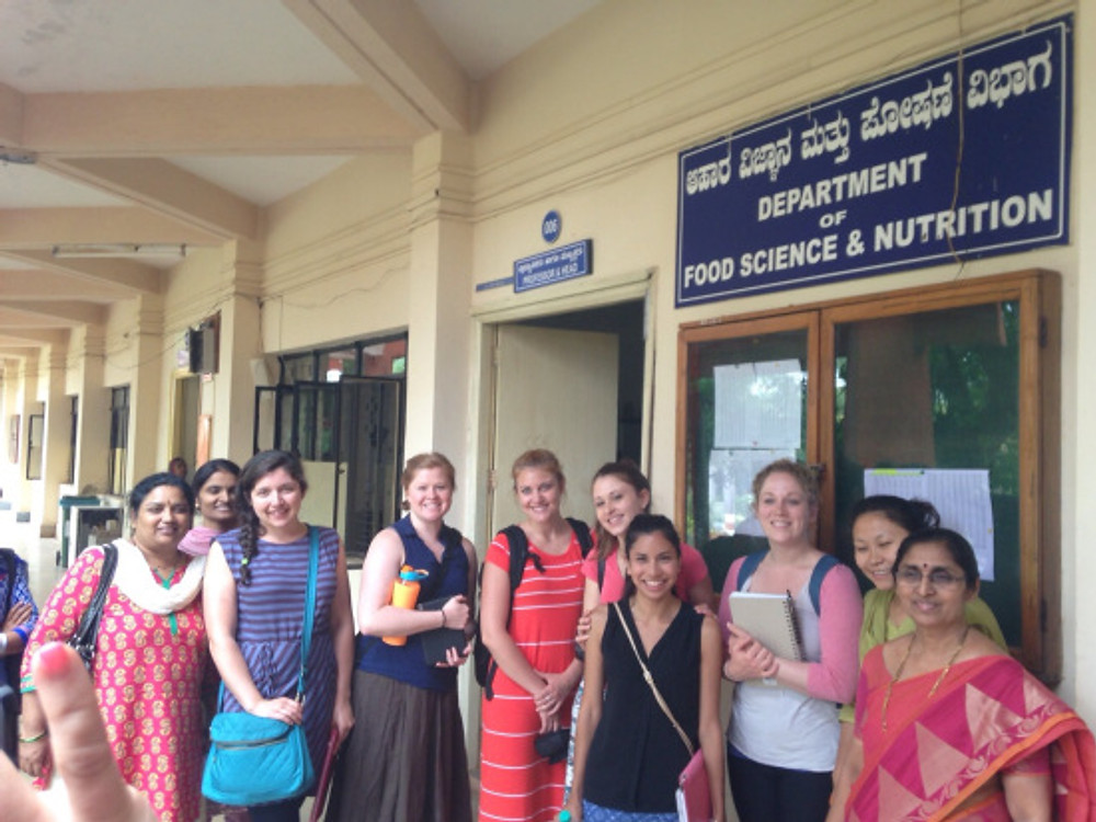 This is my group of interns and our hosts here in Dharwad!