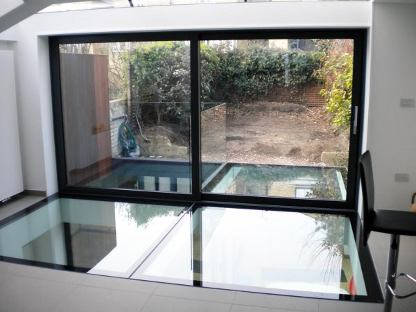 WALK ON GLASS / SLIDING DOORS