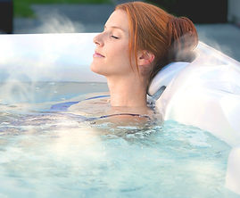 ssp-share-article-4-ways-a-hot-tub-helps