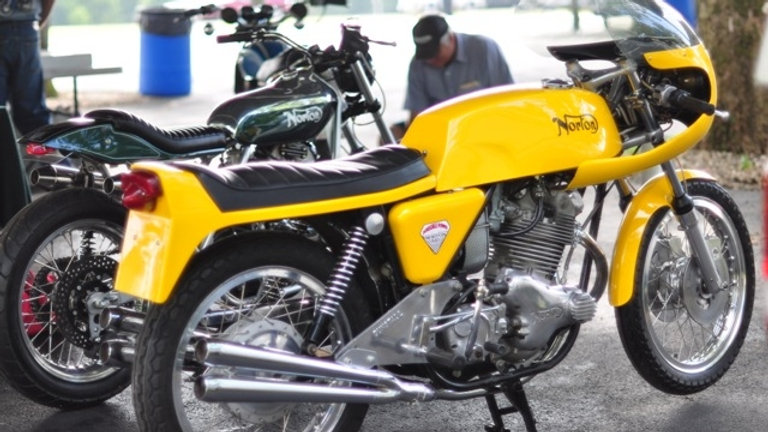 1972 Norton Dunstall 810