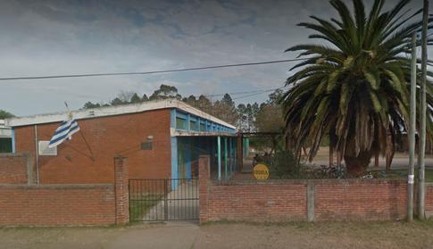 Escuela 13-San Carlos