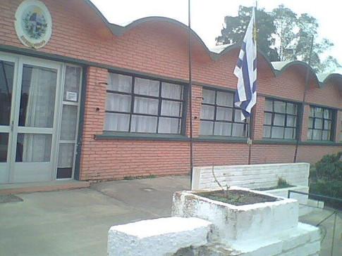 Escuela 80, Castillos