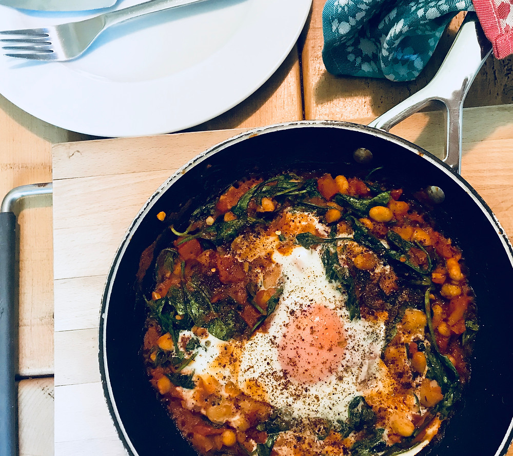 Spicy Baked Eggs with Spinach and Cannellini Beans