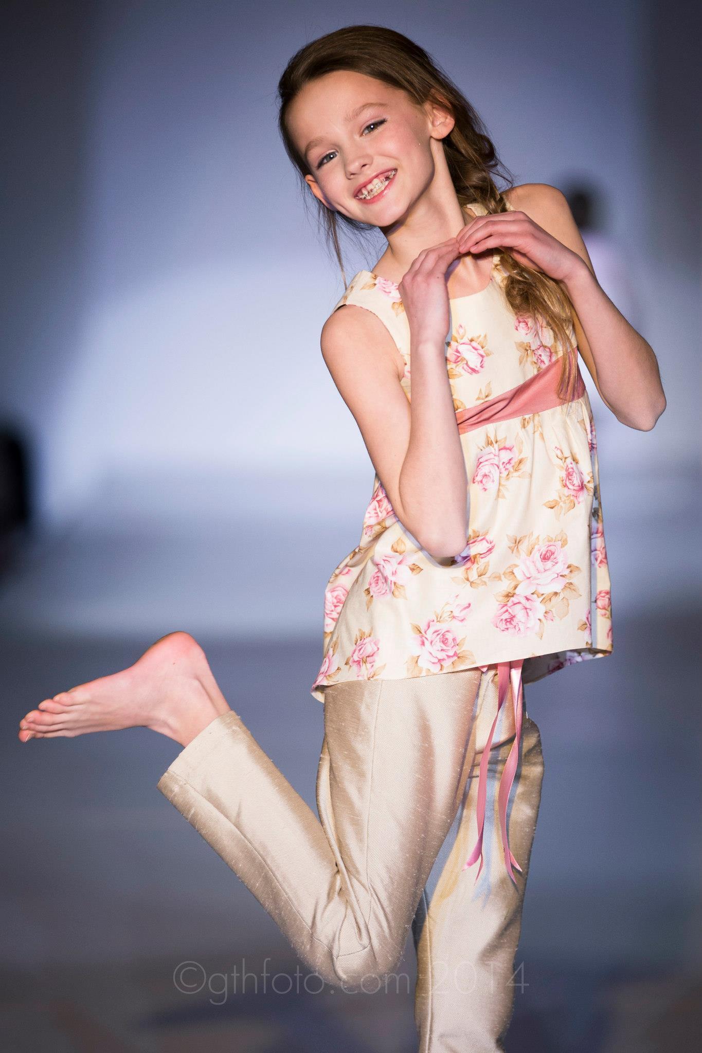 Hi-lo Shiny Rose Tank Outfit