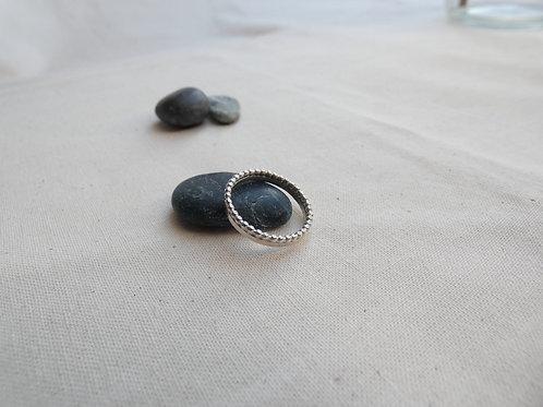 Bague bandeau fil perlé et anneau d'argent