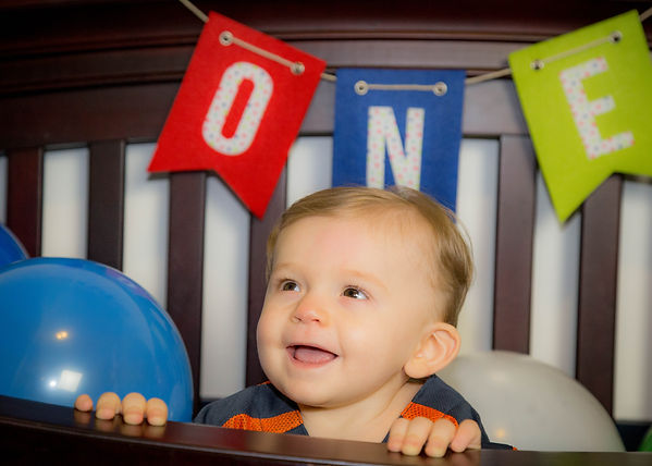 Colton-turns-one-birthday-portrait-michi